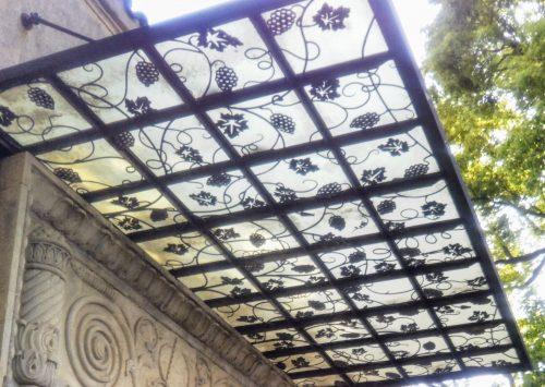 葡萄模様の屋根